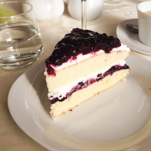 blueberry-cream-cake-2